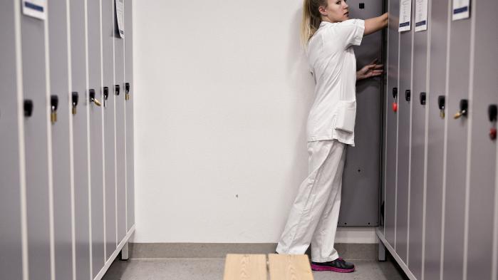 'Jeg glemmer ting, jeg glemmer vigtige ting, fordi jeg prøver at gøre mit bedste for alle,' skriver dagens kronikør om hverdagen som sygeplejerske.