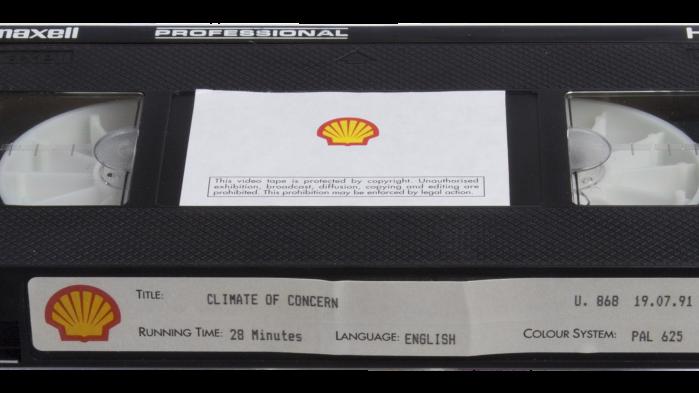 Det multinationale olieselskab Shellvar på forkant med klimavidenskaben, da de tilbage i 1991producerede filmen Climate of Concern. Ifølge selskabet selv »en af de første advarsler om truslen om global opvarmning«