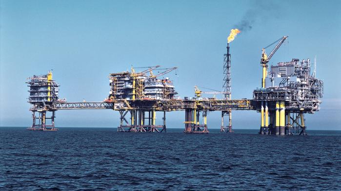 Med den nye aftale sikres det, at Tyra-feltet, der behandler 90 procent af al dansk gas fra Nordsøen, bliver totalrenoveret.
