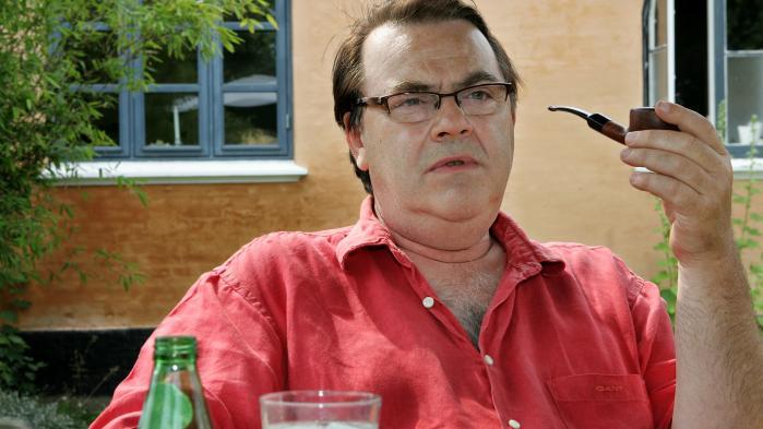 Kims blev ramt af en såkaldt shitstormefter enreklamefilm, hvorHenning Jacobsen alias Jørgen optrådte med 'blackface'.