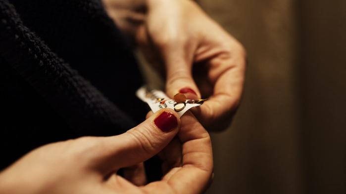 Kondomer, pessar, minipiller, fortrydelsespiller, p-piller, p-stav, spiral og abort. På nær kondomet har de alle tilfælles, at det alene er kvindens krop, der skal pilles ved, skriver dagens klummeskribent.