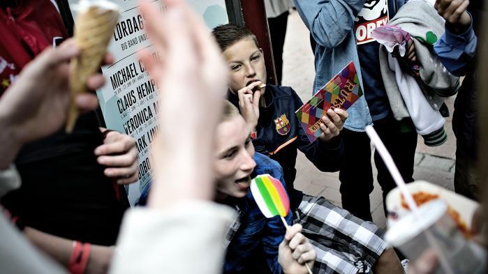 Flere skoler har ifølge Kristeligt Dagblad afskaffet blå mandag som fridag. Og flere politikere støtter opgøret med blå mandag. Enhedslistens undervisningsordfører benytter lejligheden til at tale for en adskillelse af religion og skole, og Venstres undervisningsordfører »kan godt se fornuften i det«, og »synes faktisk, det er helt okay«