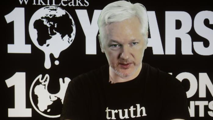 Efter 11 år og millioner af lækkede dokumenter er Wikileaks smeltet sammen med Julian Assange på godt og ondt, og nu vil den amerikanske regering have Assange udleveret fra sit fem år lange skjul på den ecuadorianske ambassade i London