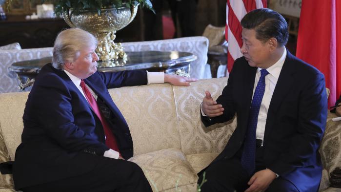 Kinas præsident Xi Jinping mødes med den amerikanske præsident Donald Trump.