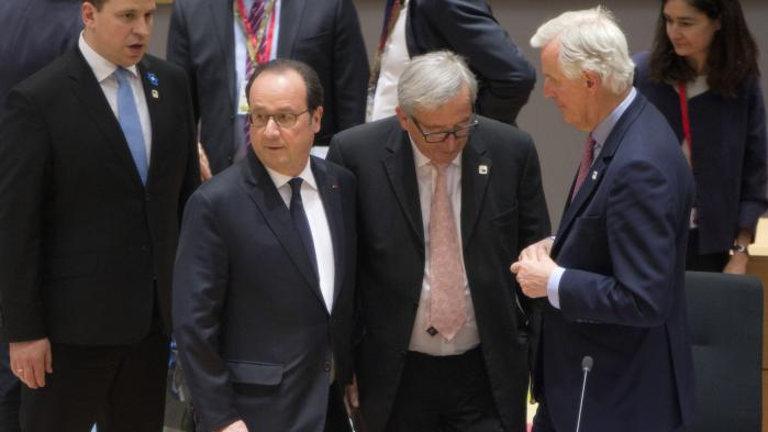 Francois Hollande,Jean-Claude JunckerogMichel Barnierunder EU-topmødet i Bruxelles den 29. april om de kommende Brexit-forhandlinger.