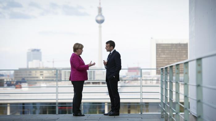 Moderne Tider har analyseret Merkel og Macrons positioner og afdækket deres fortrolige dialog