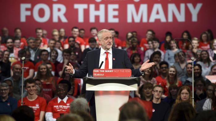 Labour risikerer under Jeremy Corbyns ledelse at få et lige så dårligt valg, som partiet fik i 1983. Og i så fald vil Corbyn blive tvunget til at tage ansvaret og gå af, vurderer iagttagere.