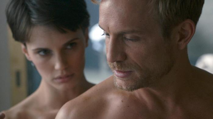 Nøgenhed og sex er der meget af i François Ozons veloplagte psykoseksuelle drama 'L'amant double', der har Marine Vacth og Jérémie Renier i hovedrollerne. Foto: Filmfestivalen i Cannes