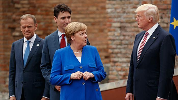 Efter 'meget utilfredsstillende' G7-forhandlinger satte kansler Angela Merkel direkte spørgsmålstegn ved bindingen mellem Europa og USA. På begge sider af Atlanten ses den ellers diplomatiske Merkels udtalelser som et opsigtvækkende geopolitisk nybrud, mens en tysk ekspert i transatlantiske forhold advarer mod overfortolkninger: Hun forbereder forsigtigt europæerne på mere integration