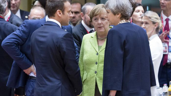 Både blandt EU-lederne i Bruxelles, der lyttede til premierminister Theresa Mays »fair og seriøse« tilbud over en middag torsdag aften, og blandt EU-borgerne i Storbritannien, var dommen klar: Ikke retfærdigt og seriøst nok