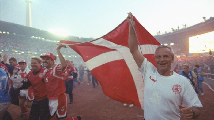 Det er en juniaften i 1992 og Danmark har lige vundet EM i fodbold – og det er ikke engang løwn