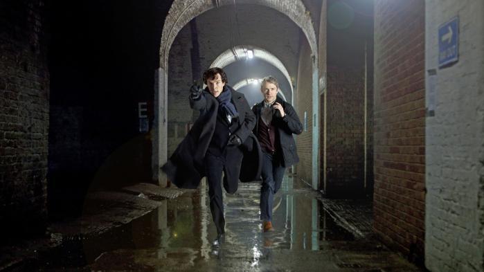 Jeg reagerede som en overbeskyttende, aggressiv svanemor, der for enhver pris vil passe på sine unger, da Steven Moffat og Mark Gatiss i 2010 formastede sig til at flytte handlingen i Sherlock, deres og BBC's nyfortolkning af Conan Doyles historier, op til vore dage. Hvad i alverden bildte de sig ind?