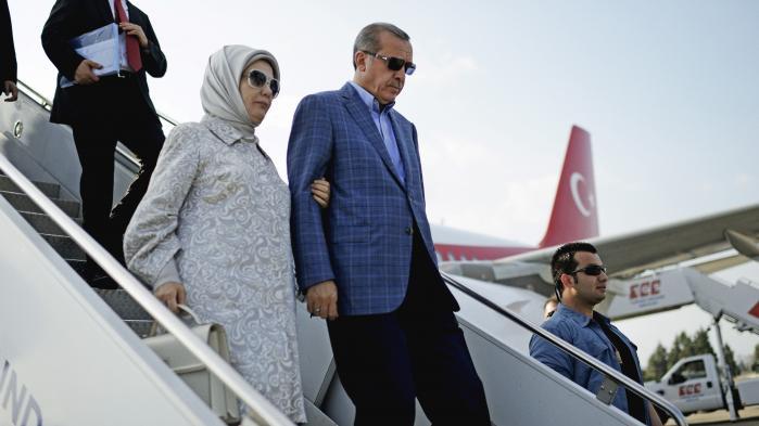 Tyrkiet har været i undtagelsestilstand siden det mislykkede kup og det har tidligere været beskrevet, hvordan myndighederne opfordrer tilhængere af præsident Recep Tayyip Erdogan til at angive støtter i europæiske lande af Gülen-bevægelsen, der af tyrkiske myndigheder betegnes som en terrororganisation.