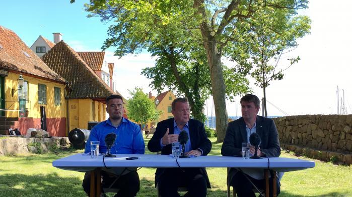 Kim Kielsen mødtes med statsminister Lars Løkke Rasmussen og Færøernes lagmand Aksel V. Johannesen på Christiansø i juni. For ham er Grønlands løsrivelse fra Danmark kun aktuel for de kommende generationer, men for hans modkandidat til formandsposten i Siumut, Vittus Qujaukitsoq, er spørgsmålet langt mere presserende.