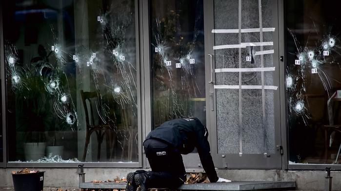 Især efter ang terrorattentatet på Krudttønden på Østerbro er der kommet mange forslag til stramninger, så politiet kan stoppe fremtidige angreb. Nu foreslår lektor Anders Henriksen, at mistækte for terror skal kunne sættes i fodlænke, før de har udført en terrorhandlling.