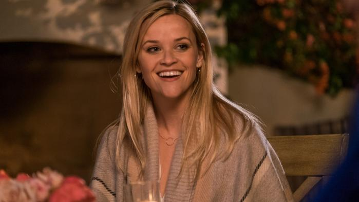 Hun er svær at stå for, den amerikanske skuespiller Reese Witherspoon, der spiller hovedrollen som alenemoren Alice i den romantiske komedie 'Kærligheden flytter ind'.