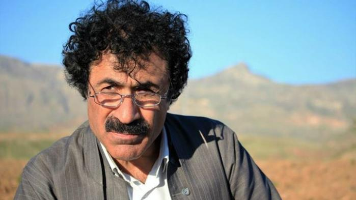 Dansk-kurdiske Farhad Sangawi ved godt, hvem der stod bag kidnapningen og dødstruslerne den dag i august, men han ønsker ikke at nævne specifikke navne i avisen af frygt for sin sikkerhed.