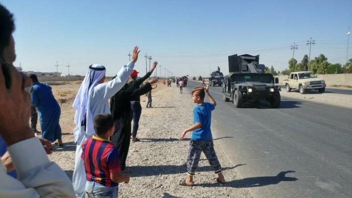 Iraks regeringsstyrker med støtte fra iransk-støttede shiamilitser siger, at de mandag eftermiddag erobrede Kirkuk – herunder flere militærbaser, oliefelter og regeringsbygninger – fra de kurdiske peshmergastyrker ved den omstridte by Kirkuk.
