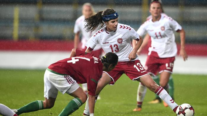 Når DBU har svært ved at give de kvindelige fodboldlandsholdsspillere det lønløft, de ønsker, er det fordi kvinderne ikke genererer ret mange indtægter. Det har intet med uligestilling og kvindekamp at gøre – det er ren budgetgymnastik