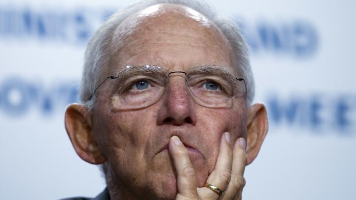 Uanset hvilken vinkel man lægger, vil de fleste tyskere starte med at tage hatten af for den 75-årige Wolfgang Schäuble. Ved det tyske valg i september fik juristen Schäuble nemlig sin 13. periode i den tyske Forbundsdag – første gang var i 1972.