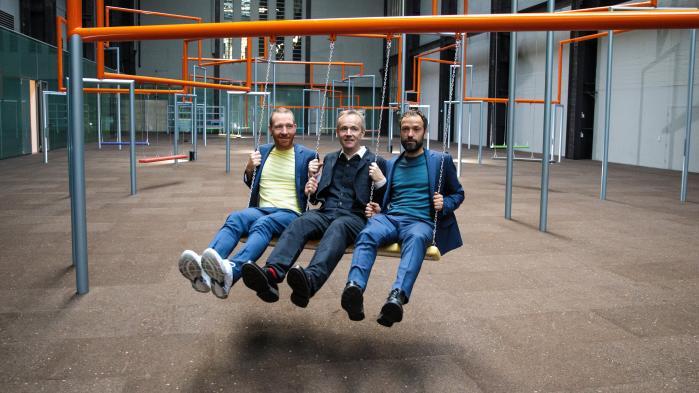 Der er for meget fokusering på det individualiserede – på at finde sig selv, mener Superflex, der vil have folk til at gynge sammen. Fra venstre: Jakob Fenger, Rasmus Nielsen og Bjørnstjerne Christiansen.