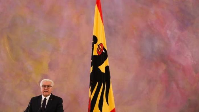 Det liberale FDP har meldt sig ud af forsøget på at danne en tysk Jamaica-regering. En mindretalsregering er et muligt historisk nybrud, men trods forbundspræsidentens formaning peger det meste på et tysk nyvalg med helt åben udgang – også for Merkel, mener kommentatorer