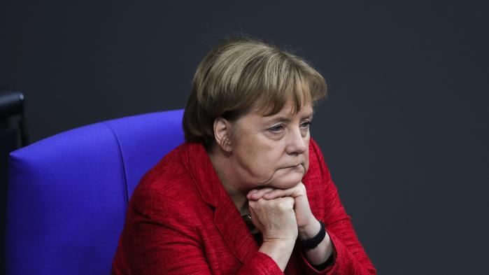 'Jeg tænker helst ikke på en mindretalsregering,' lød det mandag fra Merkel, der forsigtigt indrømmede, at hun nok ville foretrække et nyvalg