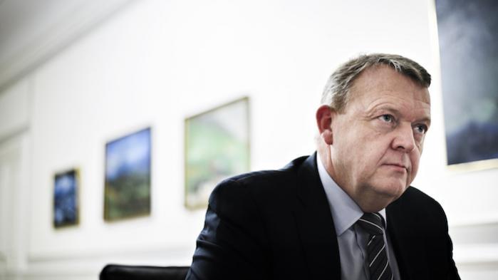 Lars Løkke brugte sin taletid i Paris på at opfordre andre lande til at yde mere i offentlig bistand samt på at fremhæve to offentlig-private partnerskaber, som Danmark sætter sig i spidsen for i bestræbelserne på at mobilisere private investorers midler til klimabistanden. Men det helerisikerer at falde til jorden med et brag, når andre opdager, hvordan den danske regering har amputeret sin egen klimabistand.
