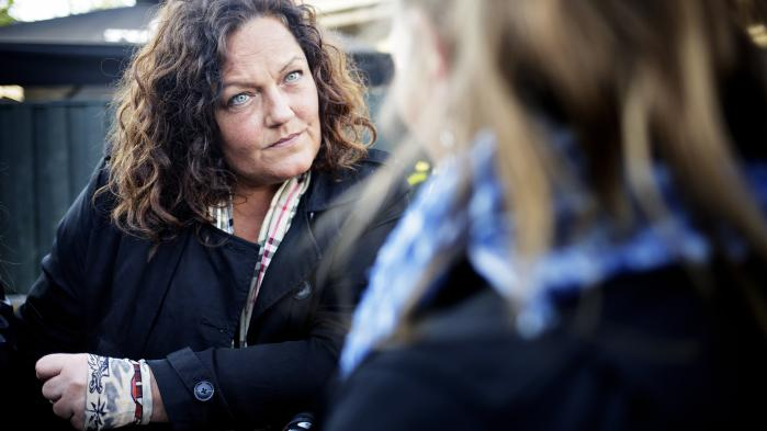 Leder og medstifter af Gadejuristen, der yder juridisk bistand til socialt udsatte, Nanna W. Gotfredsen, mener, at en afkriminaliseringen af narkotikabesiddelse ville være en stor hjælp for mange af de tunge misbrugere, hun arbejder med til daglig