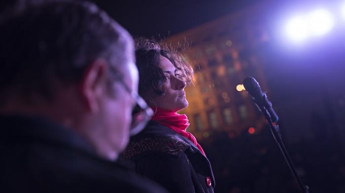 Et helt år før, at #MeToo-kampagnen blev skudt i gang i den vestlige verden, skrev og delte ukrainerne Nastya Melnychenko et opslag på Facebook. Her fortalte hun om sine personlige oplevelser med overgreb og opfordrede kvinder til at dele deres historier om seksuelle krænkelser.