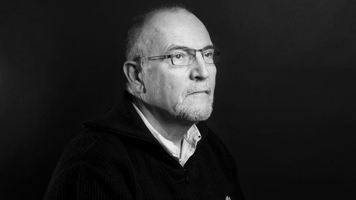 Mediejournalist Lasse Jensen er vært på en ny podcastserie i tre afsnit.