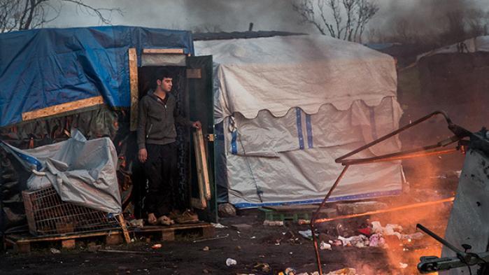 Informations fotograf besøgte 'Junglen', en flygtningelejr udenfor den franske by Calais, i foråret. Se hans billeder fra lejren, der for mange er blevet en endestation