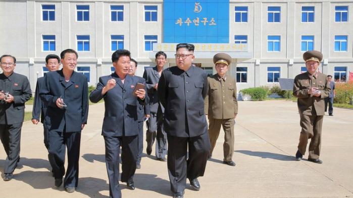 Den nordkoreanske leder giver her sit svar til USA's præsidents FN-tale. »Du er en gangster, der kan lide at lege med ilden,« skriver Kim til Trump