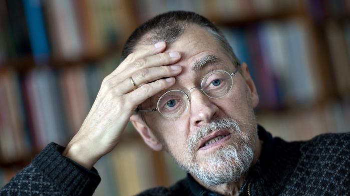 Forfatteren Bent Haller har brug for at skrive – hele tiden. Han har først for nylig fundet ud af, hvorfor hans skrivetrang er så stor