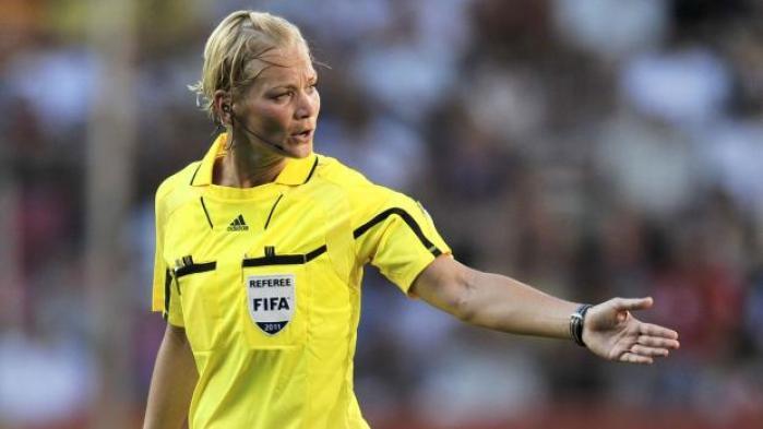 Bibiana Steinhaus skal fra næste sæson dømme kampe på højeste niveau i tysk herrefodbold som den første kvinde
