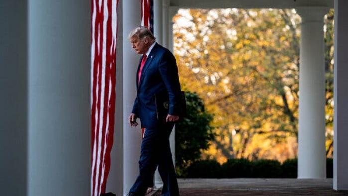 Det er banalt, men desværre også et faktum. USA's snart tidligere præsidents kryptonit er at være en 'taber' eller at være på 'det tabende hold'. Ikke sådan at han ikke kan lide det – det er snarere den definerende ting for Donald Trump. Problemet er at han, definitivt, er netop dette: en præsident, som har tabt