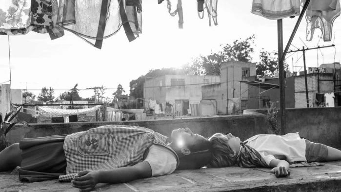 Fiminstruktør Guillermo del Toros ti tweets om Alfonso Cuaróns nye og prisbelønnede film ROMA