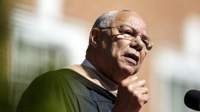 Republikaneren Colin Powell stemmer på Hillary Clinton