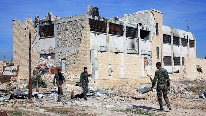 Syriske regeringsstyrker har omringet oprørere i Aleppo