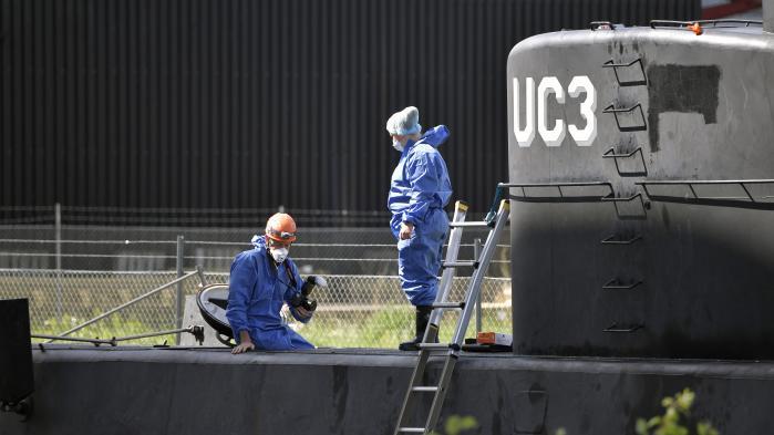 Ubådsejer: Svensk journalist 'begravet' til søs efter ulykke på ubåd