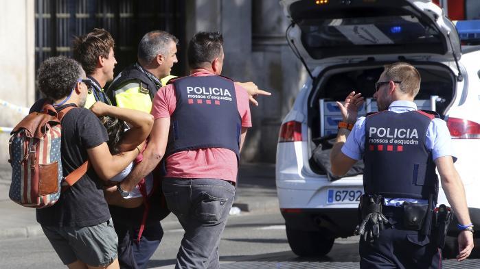 To danskere er ramt af hvid varevogn ved angreb i Barcelona