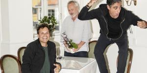 Revydirektør Mads Nørby og skuespillerne Farshad Kholghi og Kim Hammelsvang mener, at humor må sparke både opad og nedad. De er oplever dog også, at samfundet og humoren er under forandring